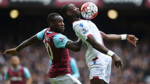 LONDON, ENGLAND - APRIL 02: Yannick Bolasie of Crystal Palace and Michail Antonio of West Ham United compete for the ball during the Barclays Premier League match between West Ham United and Crystal Palace at the Boleyn Ground on April 2, 2016 in London, England. (Photo by Tom Dulat/Getty Images)